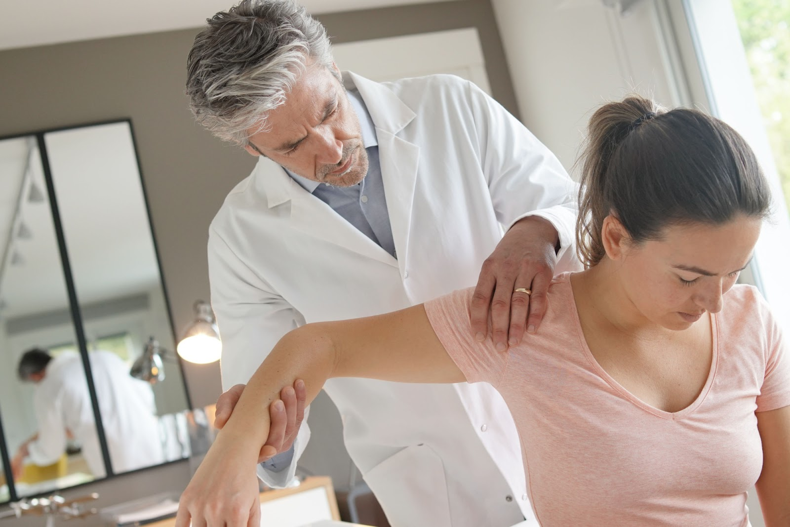 A Complete Guide to Tendonitis: What Is It and How Can Shockwave Therapy Help?
